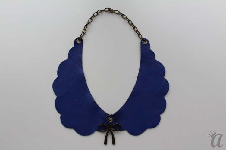 electric blue leather necklace with bow pandant