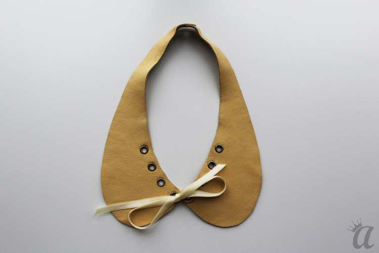 yellow leather necklace with bow
