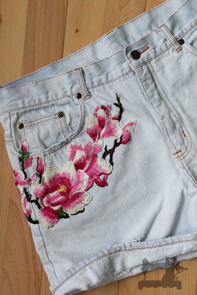 ripped-jeans-and-embroidery2