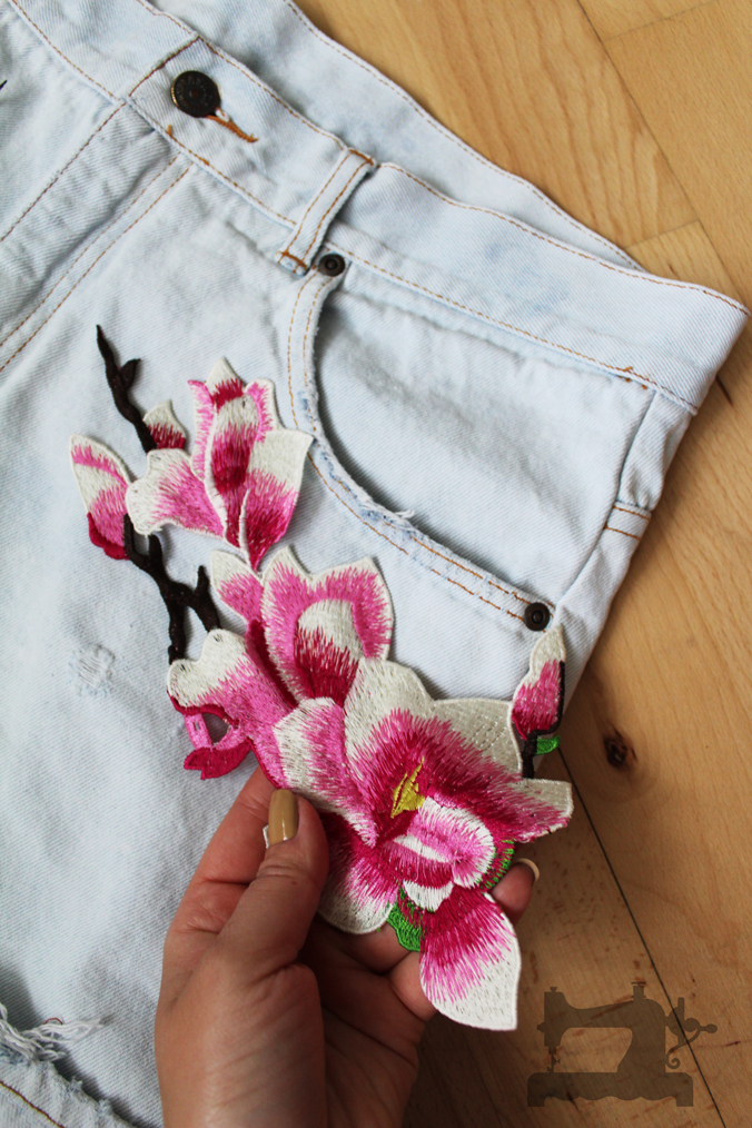 ripped-jeans-and-embroidery3