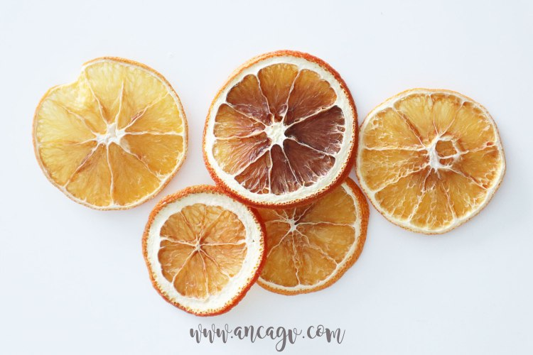 ghirlanda-cu-felii-de-portocale-uscate-1